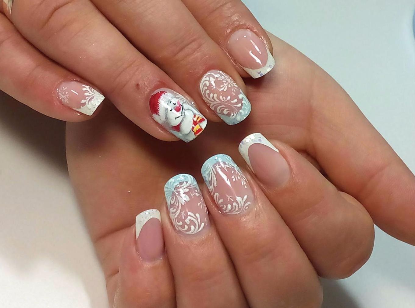 Фото маникюра на короткие ногти праздничного