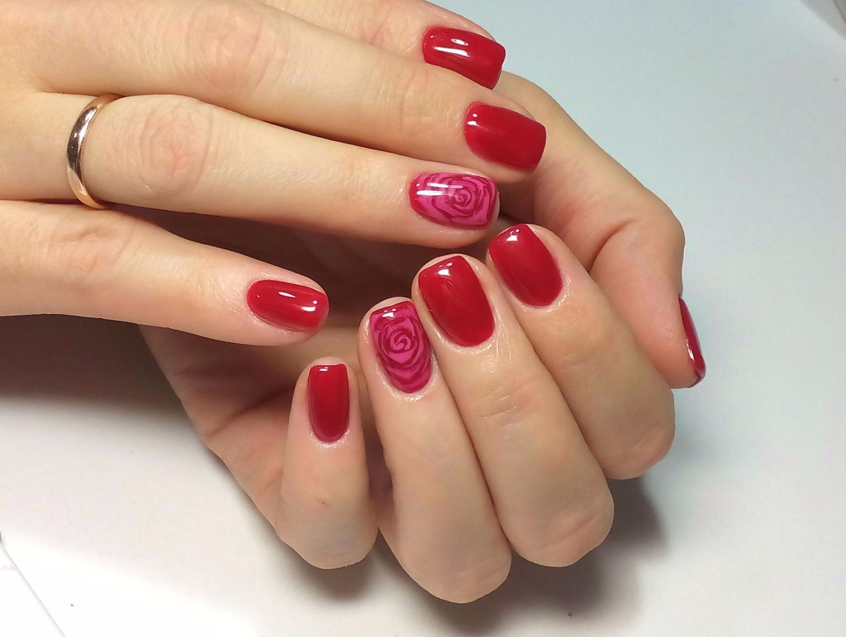 Маникюр женщине на короткие ногти