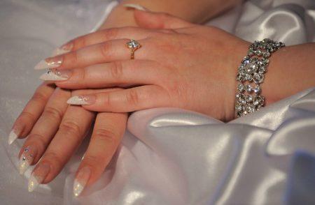 idei-svadebnogo-manikyura-10