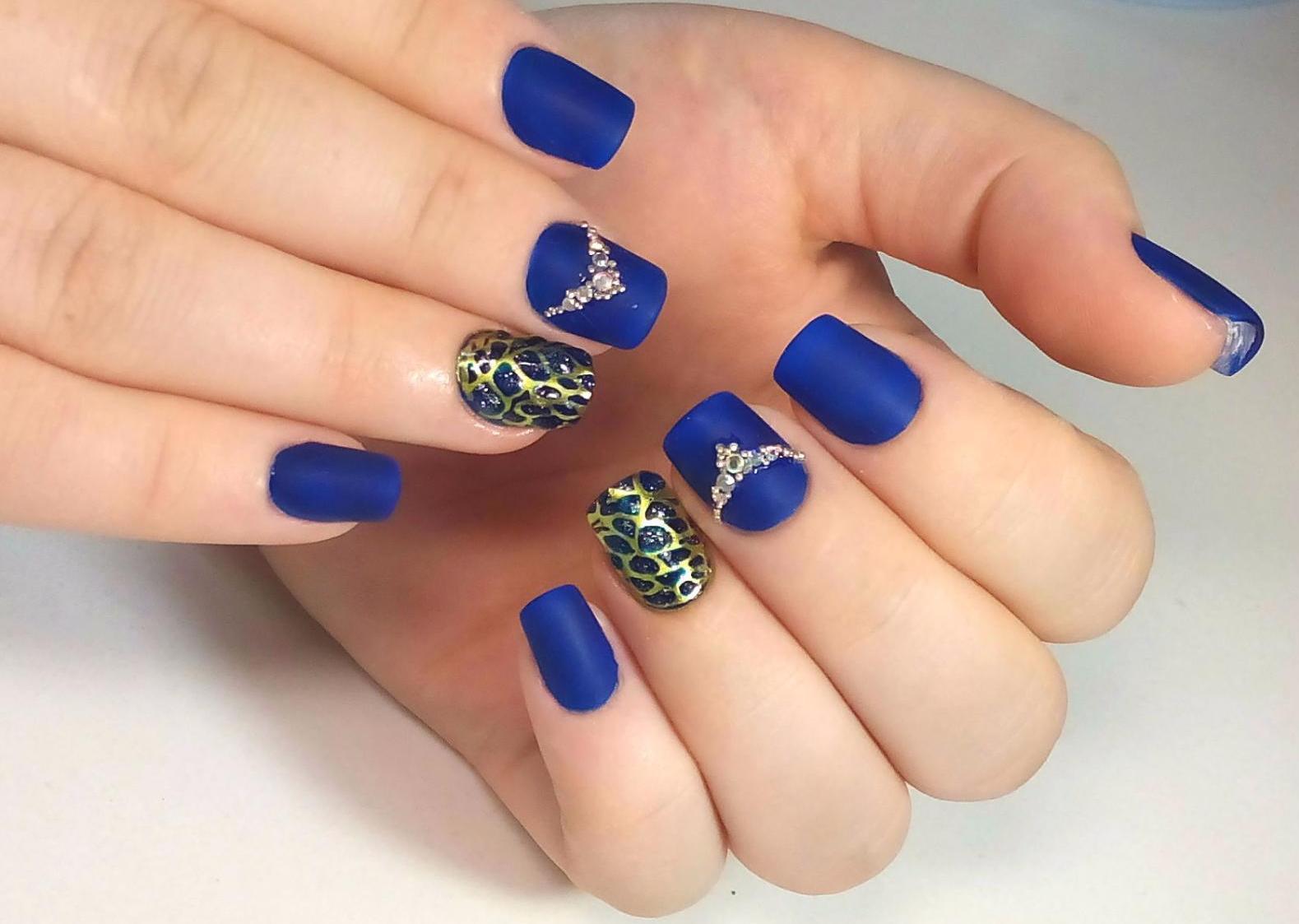 фото ногтей с дизайном литье на золото