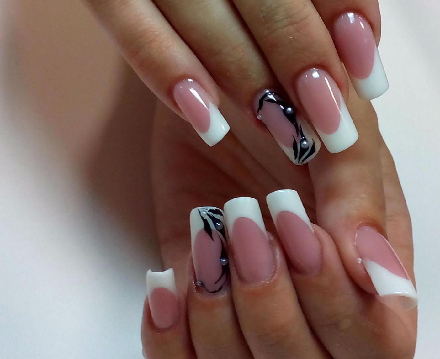 Розовый френч на квадратных ногтях фото