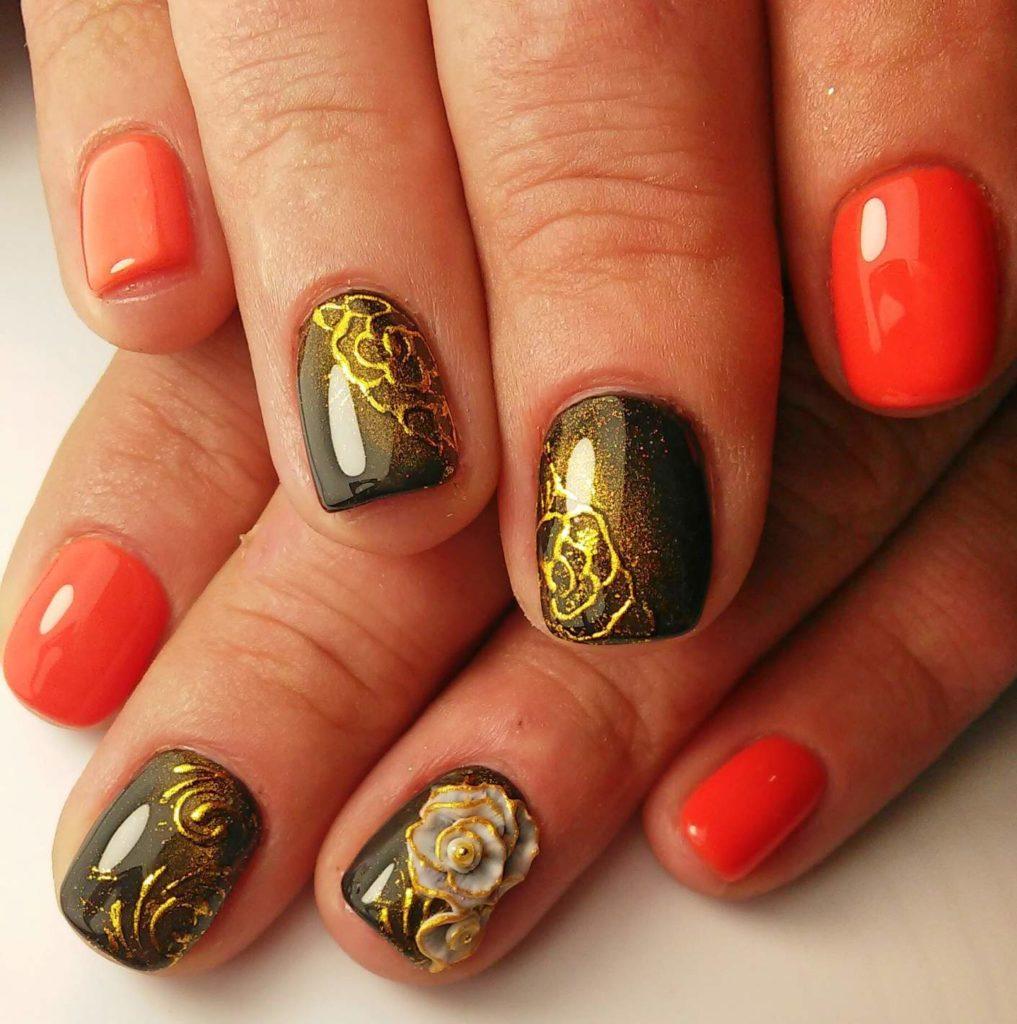 Золотой орнамент на ногтях