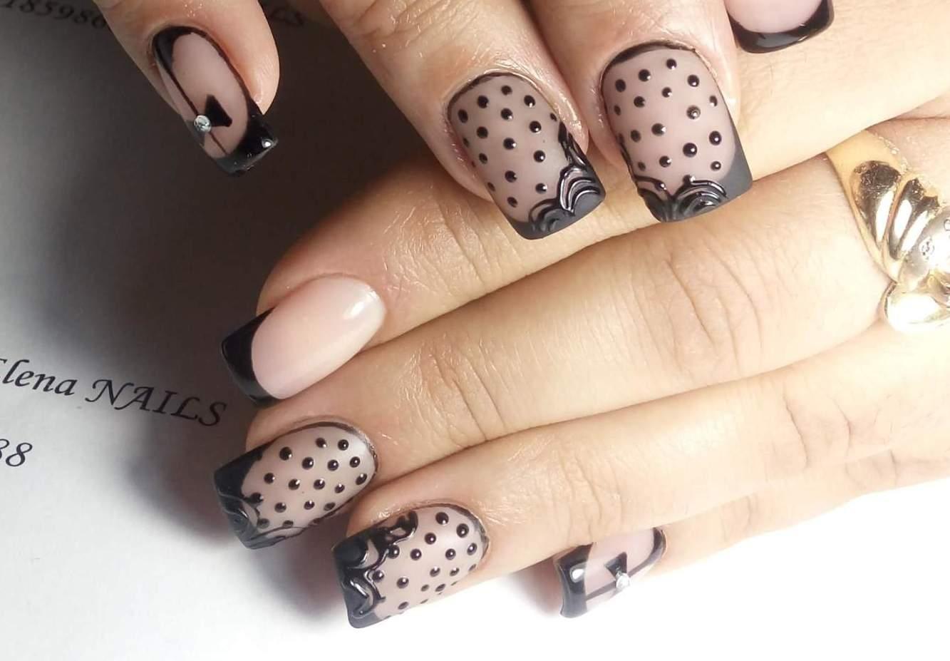 Белые ногти с бантиками фото