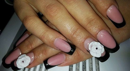Маникюр на короткие ногти с блестками в домашних условиях фото пошагово