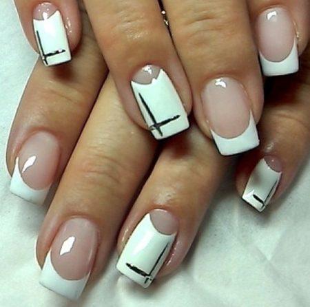 Белый лунный маникюр на квадратные ногти
