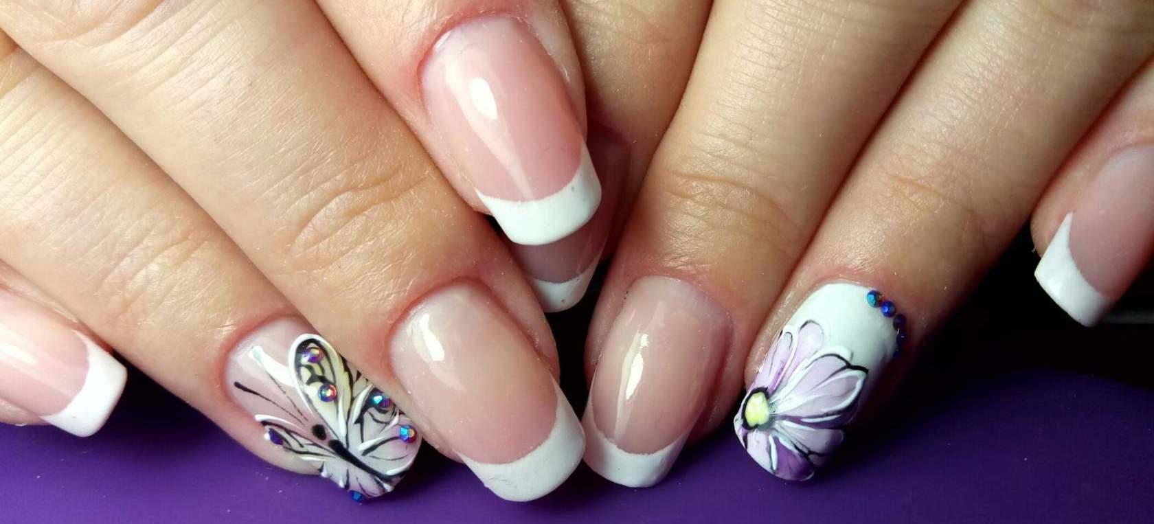 Фото френча на ногтях с рисунком на безымянном пальце 2018