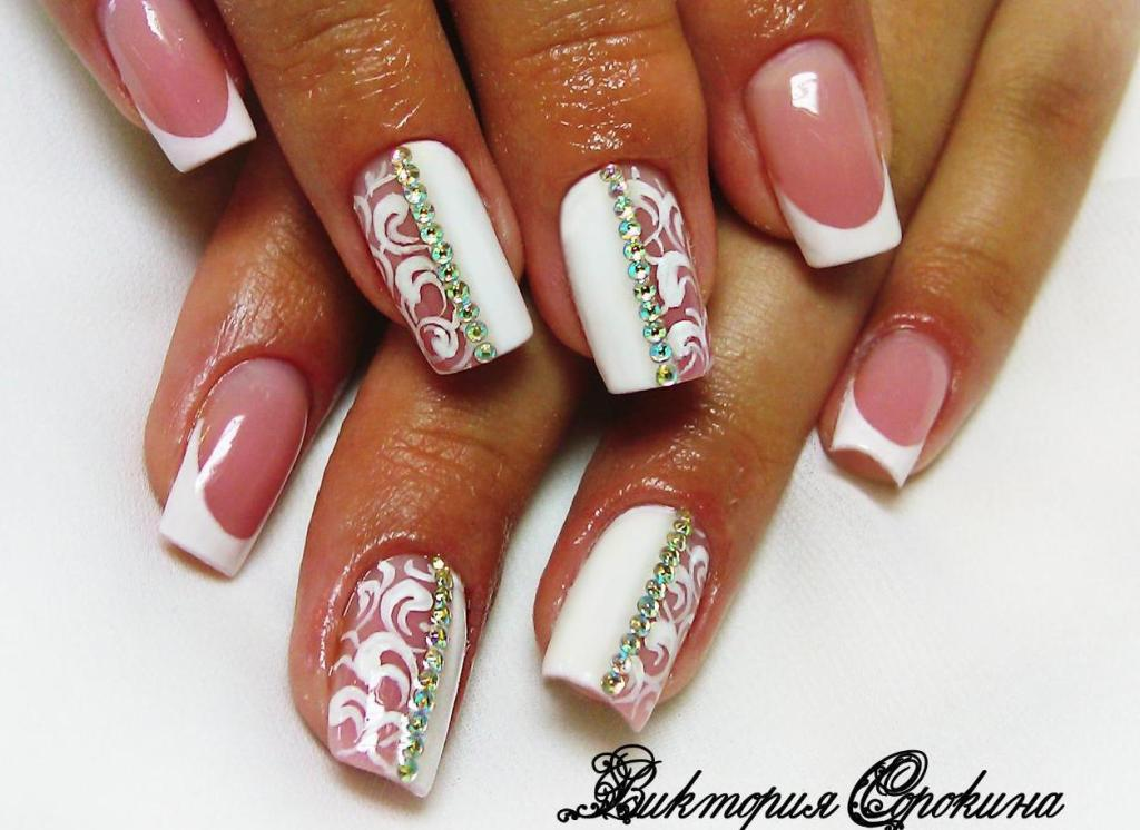 Дизайн ногтей френч белый с бабочкой