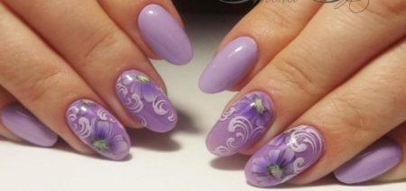 Модный маникюр на короткие ногти с цветами