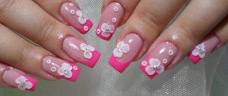Модный розовый маникюр весна - лето с лепкой