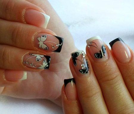 Черный и белый френч с дизайном с бабочками