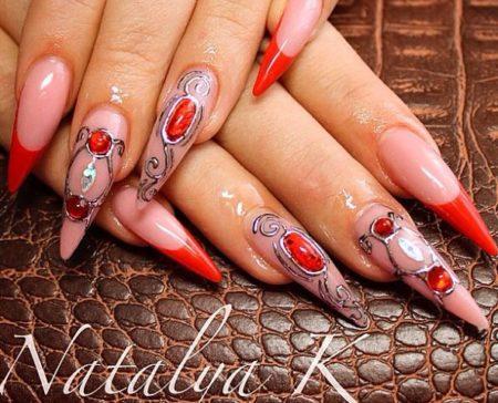 Красный френч на острые длинные ногти