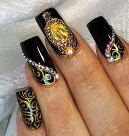 Маникюр фото — модный дизайн ногтей с рисунком