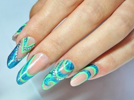 Маникюр с рисунком на ногтях