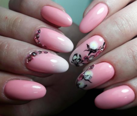 Модный розовый маникюр идея дизайна омбре