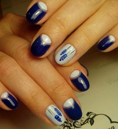 Идеи Лунного маникюра на короткие ногти с дизайном