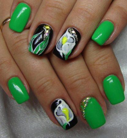 Зеленый маникюр весна - лето идеи дизайна с цветами