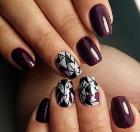 Маникюр на короткие ногти с геометрическим рисунком идея модного дизайна