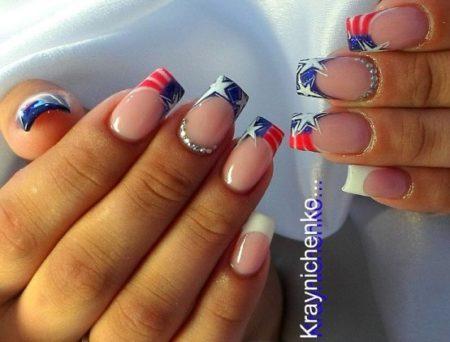 Фото-идеи модного дизайна ногтей цветного френча