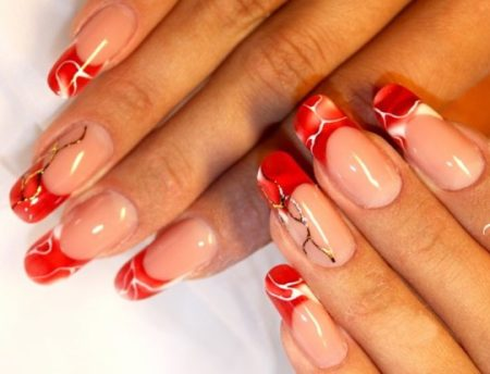 Красный френч на длинные ногти с рисунком