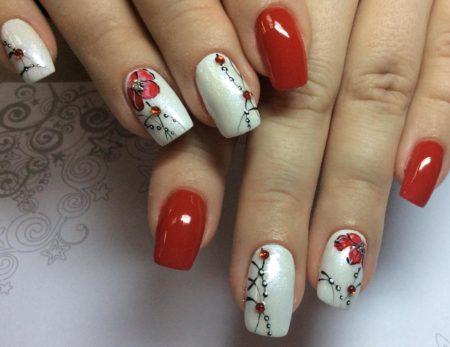 Маникюр весеннее наслаждение в сочетание красного и белого цветов,.