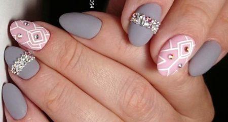 Модный маникюр идея двухцветного дизайна на короткие ногти