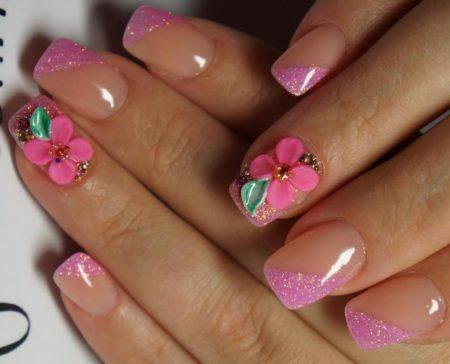 Маникюр весна - лето в розовом цвете с мерцающими элементами но кончике ногтя идея объемного дизайна