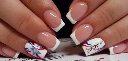 Белый френч на квадратные ногти с дизайном весна - лето