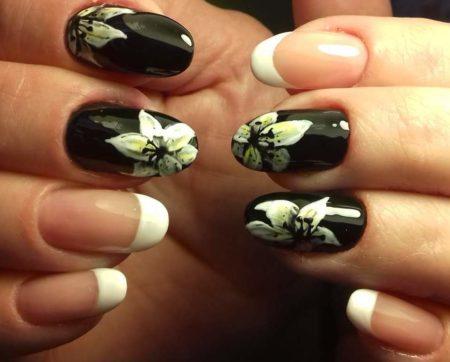 Белый френч с черным дизайном ногтей идея дизайна цветы