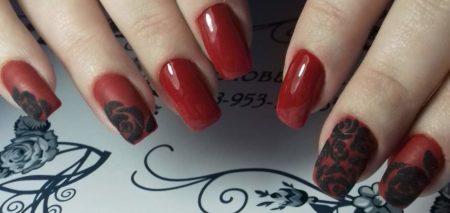 Красный маникюр с ажурным орнаментом идея вечернего дизайна ногтей