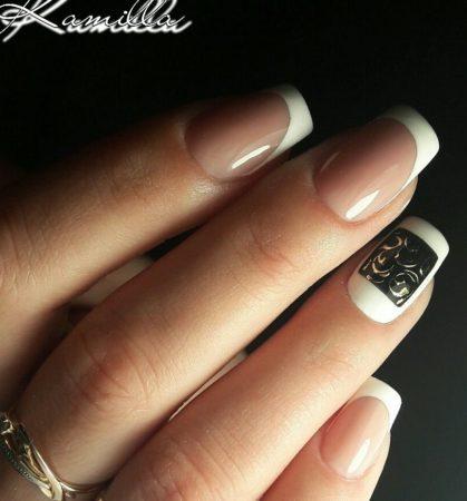 Белый френч на квадратные ногти с дизайном