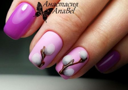 Сиреневый маникюр на короткие ногти с дизайном рисунка
