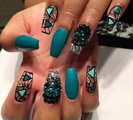 Дизайн ногтей геометрия и стразы
