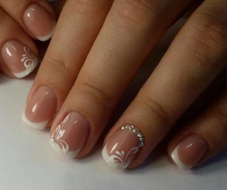 Маникюр французский на короткие ногти фото