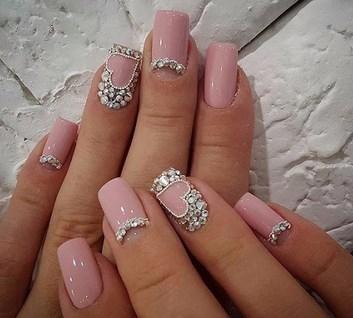 Дизайн модных ногтей