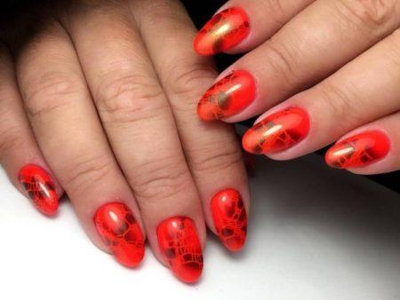 Дизайн ногтей аэрогафия красный