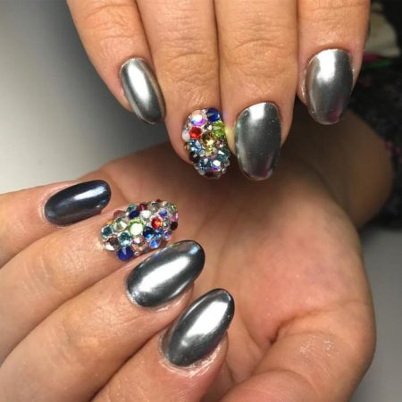 Дизайн ногтей с втиркой — фото красивого зеркального маникюра