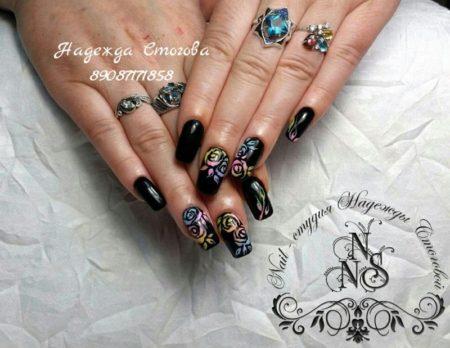 красивый дизайн ногтей с рисунком