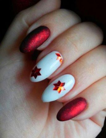 Ногти с камифубиками звездочки красный