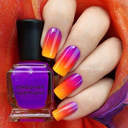 У всех лаков – от оранжевого Hollaback Girl до фиолетово-фуксийного Nasty Girl – одинаковая текстура, что облегчает выполнение плавных переходов одного оттенка в другой.