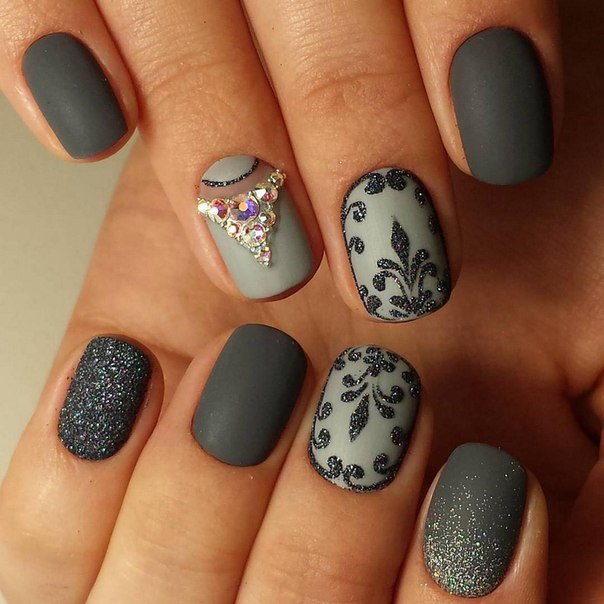 photo-manicure-short-nails