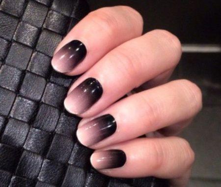 nails-628x1024