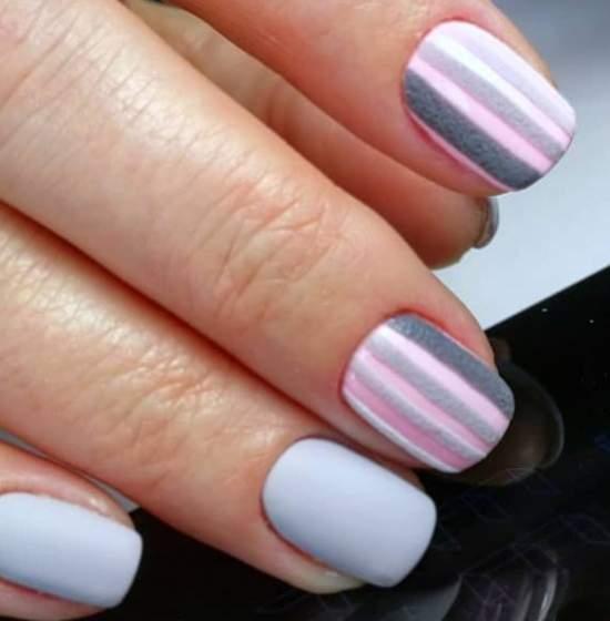 акриловая пудра на ногтях