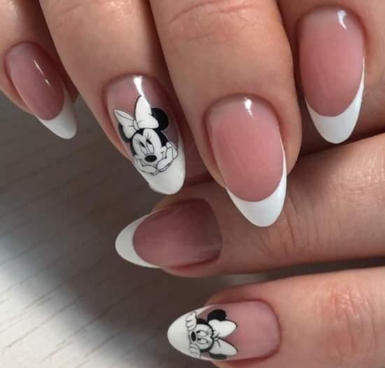 Черно-белая очаровашка Минни на ногтях