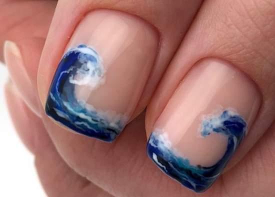 Морская пена на ногтях