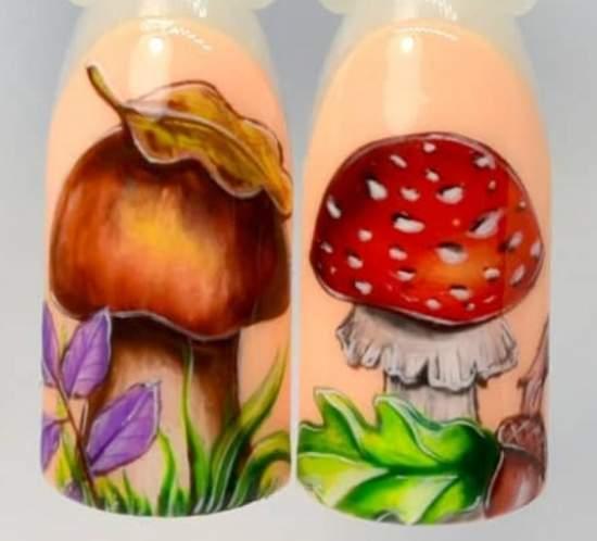 маникюр с грибочками