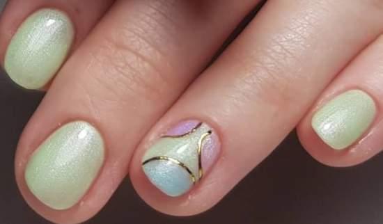 нежный и простой весенний маникюр на короткие ногти