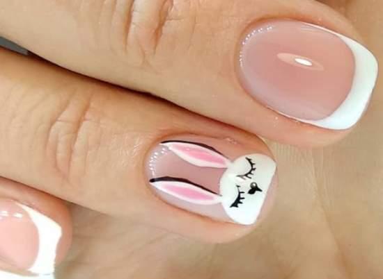 маникюр с зайчиком на короткие ногти