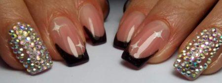 Черный френч на короткие квадратные ногти с 3d эффектом
