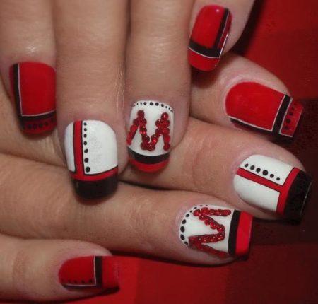 Красный модный маникюр