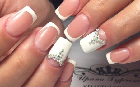 Белый френч на квадратные ногти